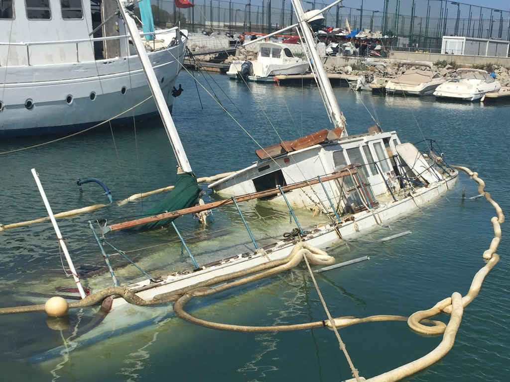 Boat Salvage - Sunken Boats Recovered and Recycled
